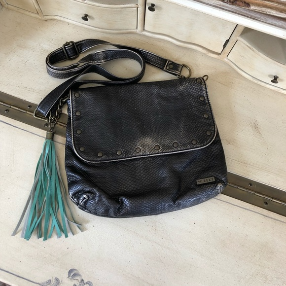 Roxy Handbags - 2/20 Roxy Metallic Crossbody Purse with Tassel